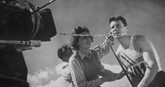 """Leni Riefenstahl sur le tournage de """"Olympia""""."""